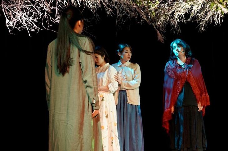 灯台とスプーン 第4回公演「藪に坐る人」より。