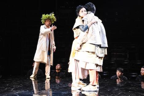 KAAT神奈川芸術劇場プロデュース「オイディプスREXXX」フォトコールより。
