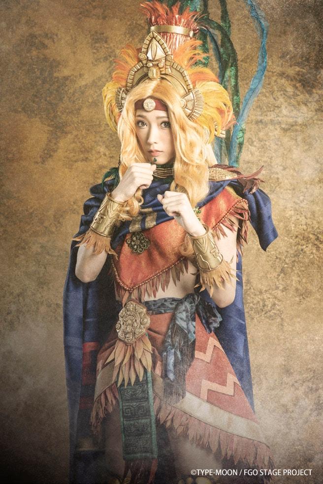 赤井沙希扮するケツァル・コアトル。