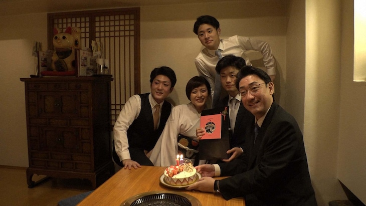 NHK総合「成駒屋・芝翫一家の門出~三田寛子の子育て福笑い~」より。(写真提供:NHK)