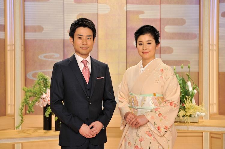 NHK Eテレ「こいつぁ春から 初芝居生中継」の司会者。左から吉田真人、石田ひかり。(写真提供:NHK)