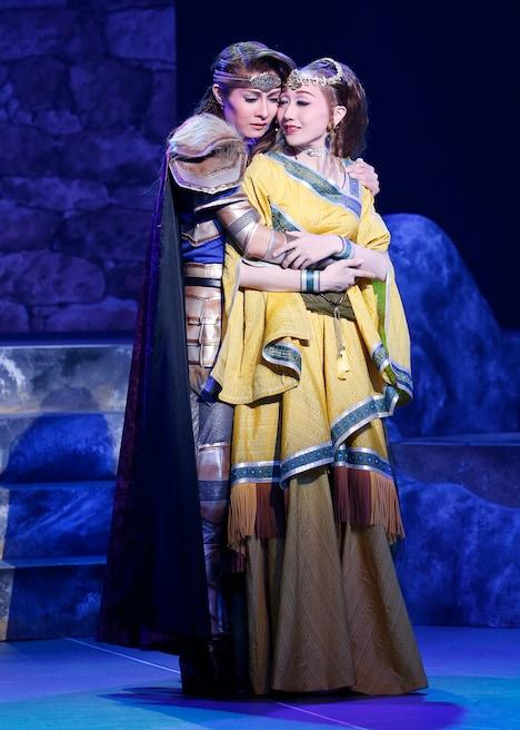 OSK日本歌劇団「円卓の騎士」より。