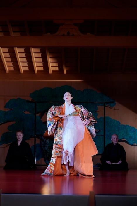伝統と創造シリーズ vol.10「HANAGO-花子-」より。(撮影:瀬戸秀美)