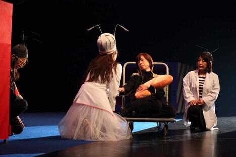 市民と創造する演劇「リア王-どん底から笑ってリターン!-」より。(撮影:伊藤華織)
