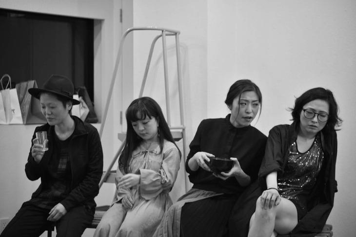 財団、江本純子vol.15「ドレス」より。