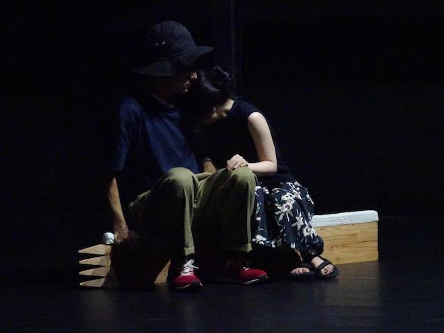 「利賀演劇人コンクール2018」で上演された「屋上庭園」より。