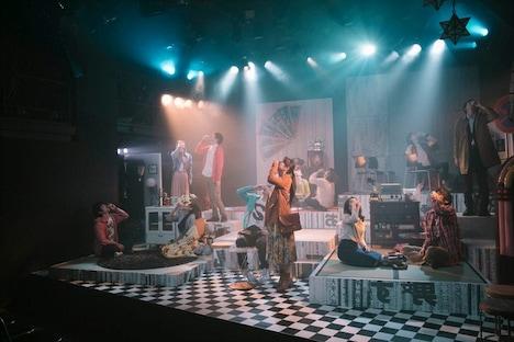 2017年に上演された第27班「morning sun 晩夏初春」より。(撮影:太郎)