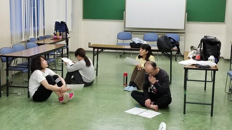 プロトテアトル 第8回本公演「レディカンヴァセイション」稽古の様子。