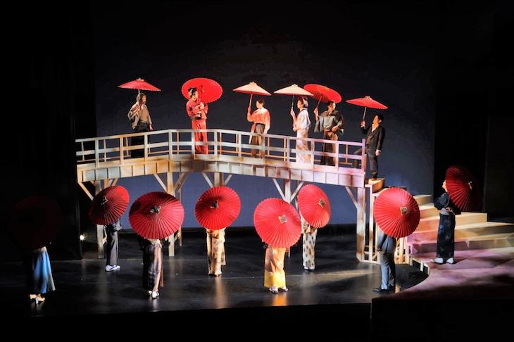 温泉ドラゴン 第13回公演「渡りきらぬ橋」より。(撮影:宿谷誠)