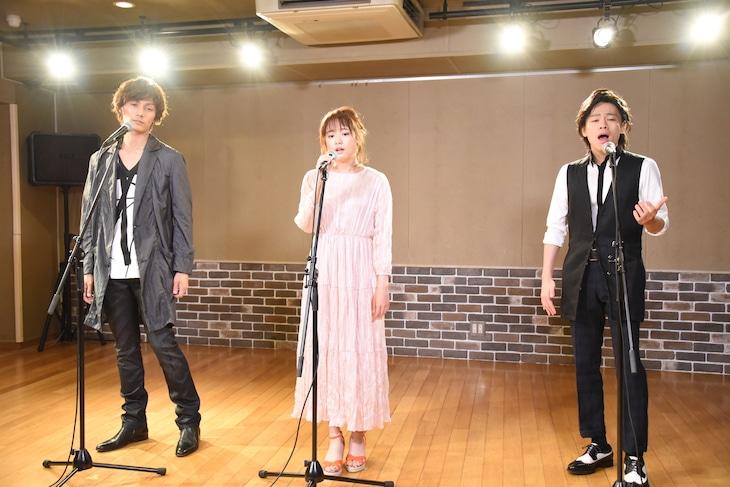 新作ミュージカル「怪人と探偵」PV撮影の様子。左から加藤和樹、大原櫻子、中川晃教。
