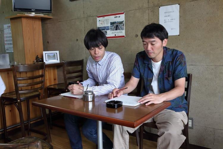 「つるさんかめさん~ニッポン算額探訪~」第4回より。左から石田剛太、土佐和成。