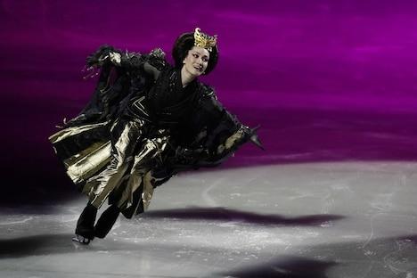 サマージャンボ Presents「氷艶 hyoen2019ー月光かりの如くー」より、荒川静香演じる弘徽殿女御。