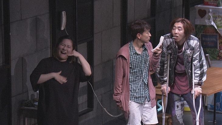 NHK Eテレ ハートネットTV「手話で演じる世界~舞台手話通訳者の挑戦~」より。(写真提供:NHK)