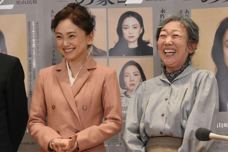 左から永作博美、梅沢昌代。