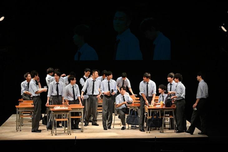 PARCOプロデュース 2019「転校生」男子校版より。(撮影:阿部章仁)