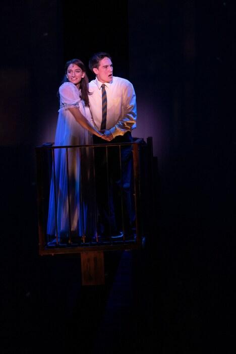「ブロードウェイ・ミュージカル『ウエスト・サイド・ストーリー』」来日公演より。(Photo by Jun Wajda)