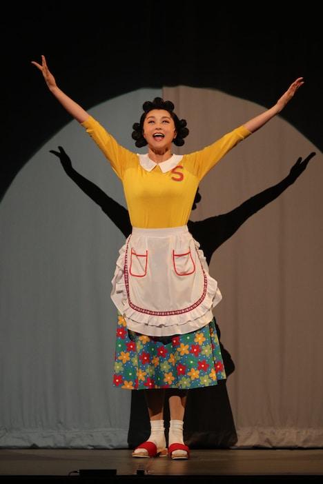 明治座 9月公演 舞台「サザエさん」より。藤原紀香演じるサザエ。
