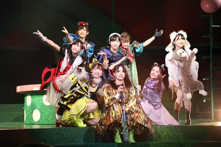 AKB48 チーム8 単独公演「Bee School」より。
