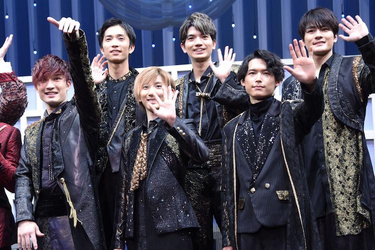 SixTONESの面々。上段左から田中樹、高地優吾、森本慎太郎。下段左からジェシー、京本大我、松村北斗。