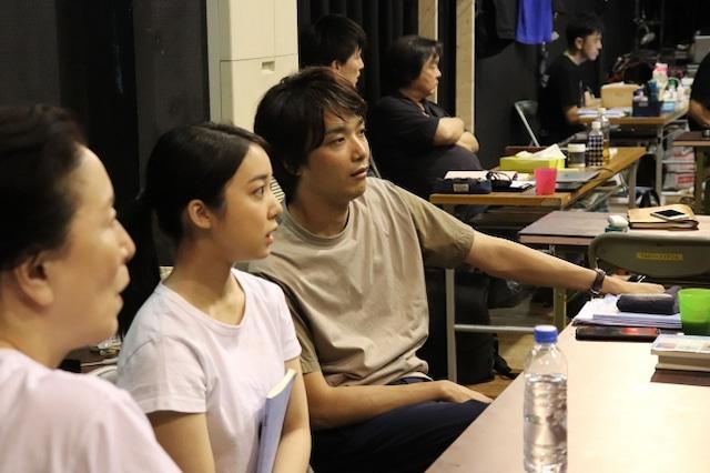 こまつ座&ホリプロ公演「組曲虐殺」稽古場より。(撮影:小村早希 / 提供:ホリプロ)