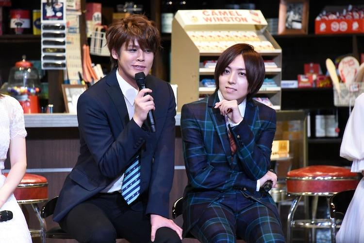 「ブロードウェイ・ミュージカル『ウエスト・サイド・ストーリー』Season1」製作発表より、左から宮野真守、蒼井翔太。