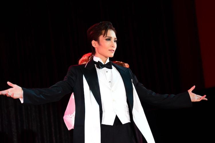宝塚歌劇雪組 ミュージカル「ONCE UPON A TIME IN AMERICA」制作発表会より。