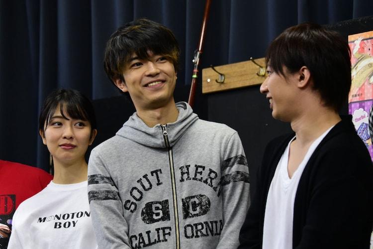 左から小島梨里杏、高田翔(ジャニーズJr.)、江田剛(宇宙Six / ジャニーズJr.)。