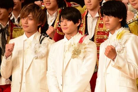 左から永瀬廉、平野紫耀、高橋海人。