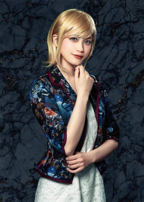 小泉萌香扮するユージェニー・ド・ダングラール。