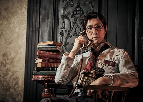 田中稔彦扮する弁護士(フレディ・ライリー)のイメージビジュアル。