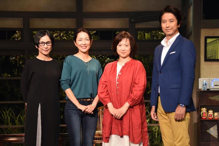 「不機嫌な女神たち プラス1」舞台挨拶より、左から西田尚美、羽田美智子、和久井映見、谷原章介。