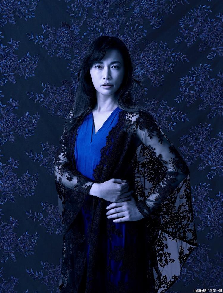 長谷川京子扮するスコットランド女王メアリ。