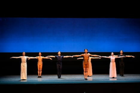 東京バレエ団創立55周年記念委嘱作品より。(撮影:瀬戸秀美)