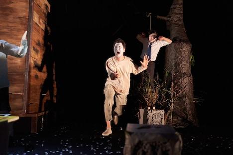 突劇金魚 第21回公演「墓場のオサムと機嫌のいい幽霊」より。