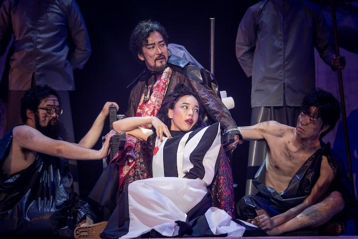 KAAT・KUNIO 共同製作 KUNIO15「グリークス」京都公演より。(撮影:井上嘉和)