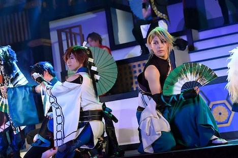 「2.5次元ダンスライブ『ALIVESTAGE』 Episode2『月花神楽~青と緑の物語~』」より。