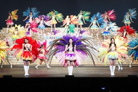 「博多座開場20周年記念 AKB48グループ特別公演」第2部「あんみつ姫プロデュース レヴュー48」より。
