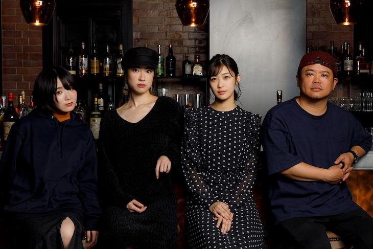 コントと音楽 vol.01「振り返れない。」合同取材会より、左から日高七海、関めぐみ、加村真美、飯塚健。