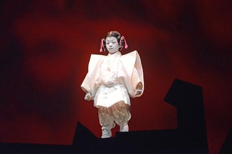「スター・ウォーズ歌舞伎 -煉之介光刃三本-」より、堀越勸玄演じる幼き魁煉。