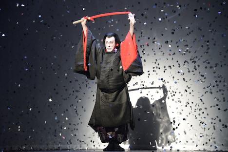 「スター・ウォーズ歌舞伎 -煉之介光刃三本-」より。
