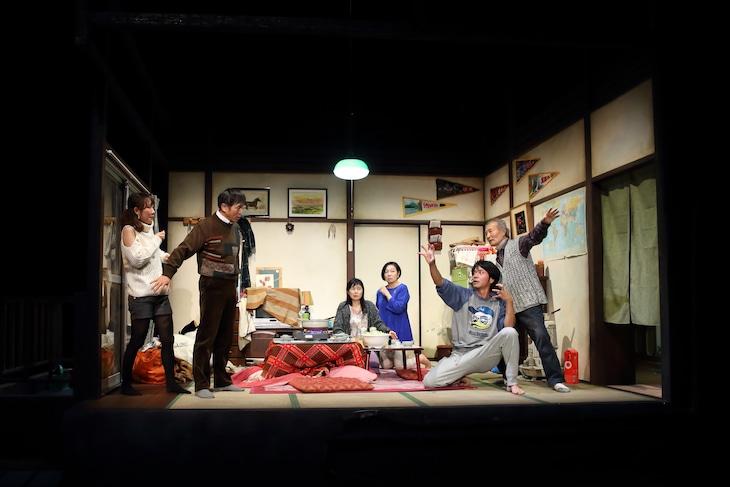 穂の国とよはし芸術劇場PLATプロデュース「荒れ野」より。(撮影:伊藤華織)