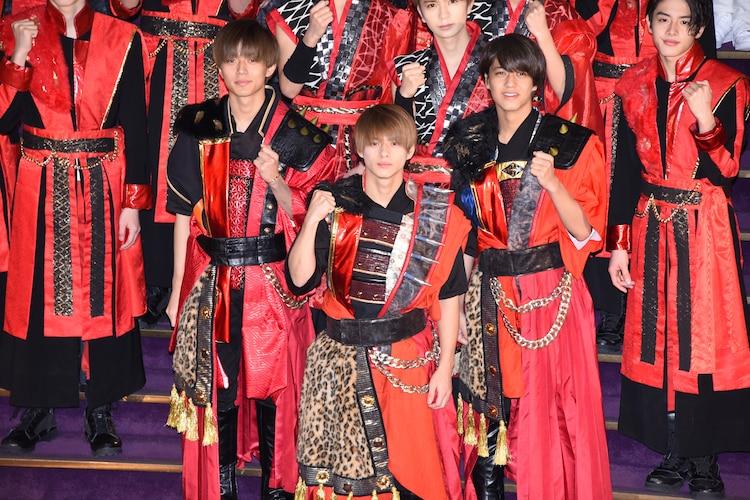 「ジャニーズ・アイランド」2020年新春記念会見より。前列左からKing & Princeの永瀬廉、平野紫耀、高橋海人。