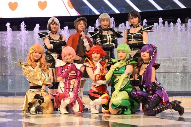 後列左から矢倉楓子、生田輝、吉川友、彩木咲良。前列左から平塚日菜、西葉瑞希、上西恵、佐藤日向、鹿目凛。