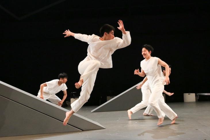 KAAT DANCE SERIES2019「NIPPON・CHA!CHA!CHA!」ダンス版より。(撮影:宮川舞子)