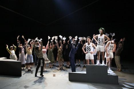 KAAT DANCE SERIES2019「NIPPON・CHA!CHA!CHA!」演劇版より。(撮影:宮川舞子)