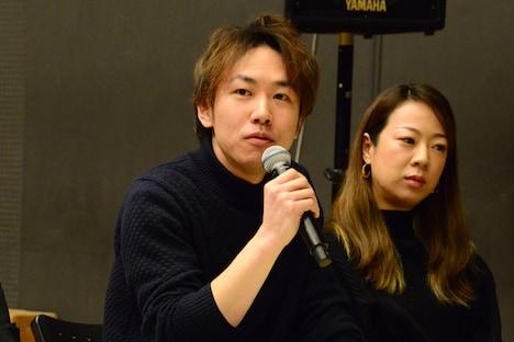 左から田中宏樹、永川友里。