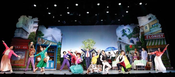 劇団スーパー・エキセントリック・シアター創立40周年記念公演・第57回本公演 ミュージカル・アクション・コメディー「ピースフルタウンへようこそ」より。
