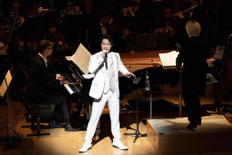 コンサート「Simpatia(シンパティーア)」より、田代万里生。