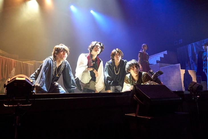 舞台「DECADANCEー太陽の子ー」より。