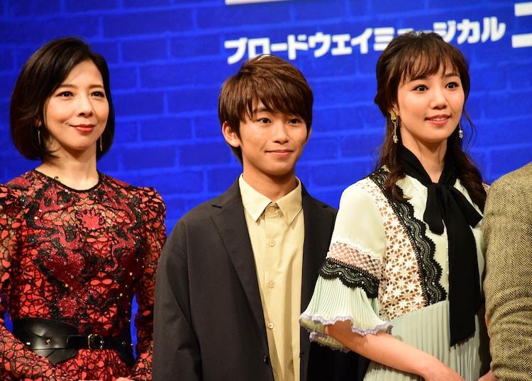 左から霧矢大夢、加藤清史郎、咲妃みゆ。
